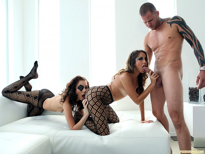 Jenna Haze Getting Licked